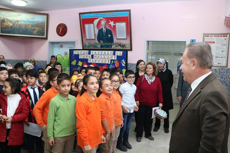 Hasanoğlan Öğretmenler İlkokulu Tarafından Düzenlenen Tutum Yatırım Ve Türk Malları Haftası Kutlama Programına Katıldık.